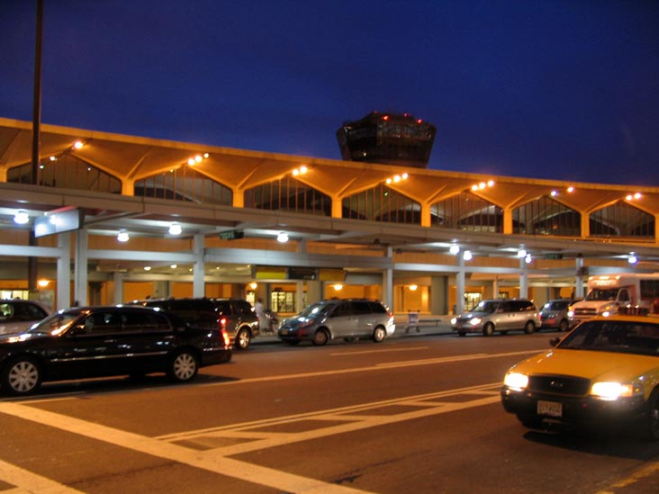 New Jersey Airport/photo: www.bridgeandtunnelclub.com
