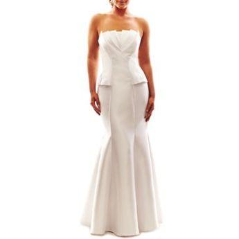 Wedding Dress/photo: JCPenny